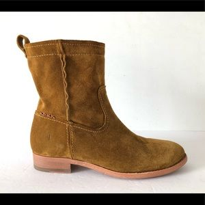 FRYE CARA WHEAT SUEDE ANKLE BOOTS SIZE 6.5